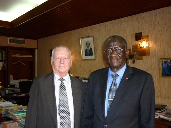 JPLP en compagnie du délégué général du gouvernement du Cameroun à Yaoundé-001